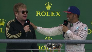 2015-10-26 Elton John reporterem Formuły 1! Jak w nowej roli sprawdził się piosenkarz? (WIDEO)