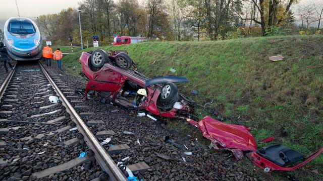 Od piątku na drogach zginęły 32 osoby; zatrzymano prawie tysiąc pijanych kierowców