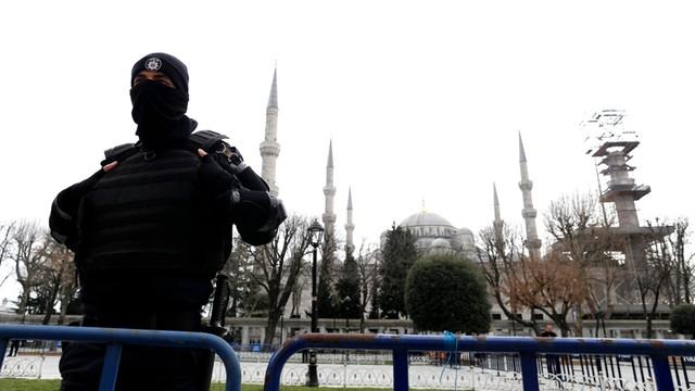 Turcja: aresztowano 12 wykładowców popierających pokój z Kurdami