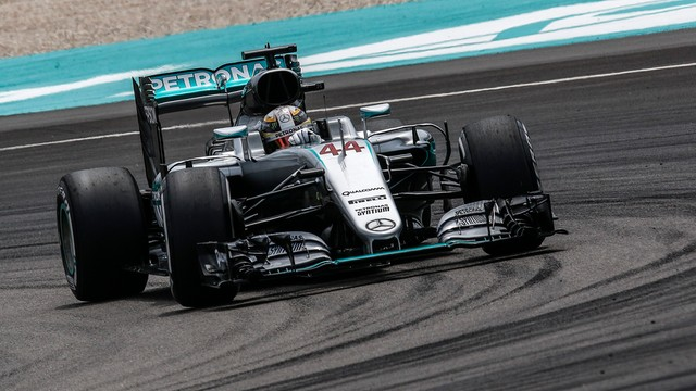 Formuła 1 - Hamilton wygrał kwalifikacje Grand Prix Malezji