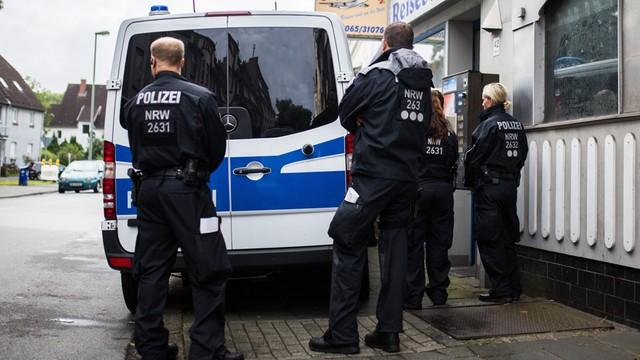 Niemcy: policyjne obławy w poszukiwaniu islamistów