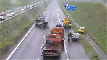 Wypadek na obwodnicy Poznania. Kilka osób rannych. Autostrada w kierunku Warszawy zablokowana