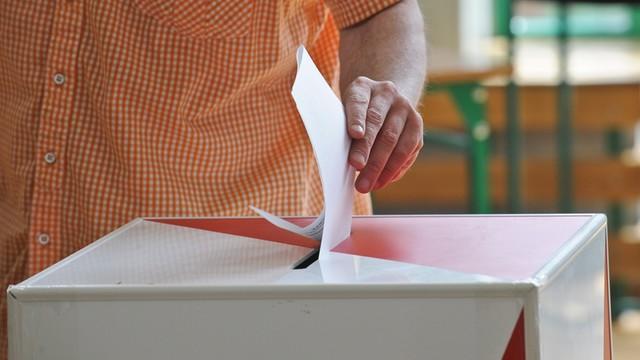 Eksperci: Ostatnie dni kampanii, to walka o głosy niezdecydowanych
