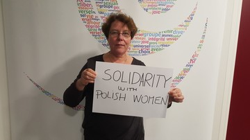 """07-04-2016 12:57 Kobiety z całego świata wspierają Polki w akcji """"Odzyskać wybór"""" ws. aborcji"""