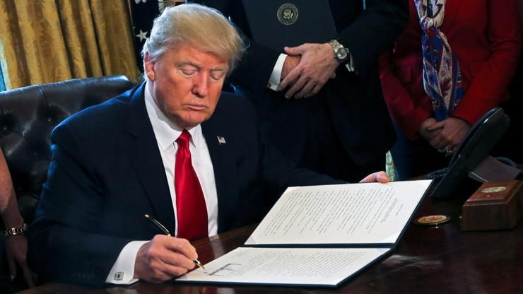 Dwa stany USA, Apple, Google, Facebook i 94 inne firmy - wszyscy zaskarżają dekret Trumpa
