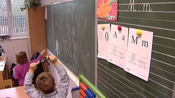 KE krytycznie o zniesieniu obowiązku szkolnego dla 6-latków w Polsce