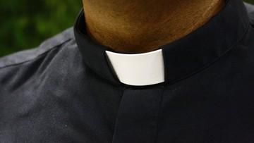 04-10-2016 15:10 Zawiercie: proboszcz odchodzi z parafii po informacjach o seksaferze