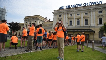 27-07-2016 10:39 ŚDM: awaryjne hamowanie pociągu z pielgrzymami i zablokowany dworzec w Krakowie po mszy na Błoniach