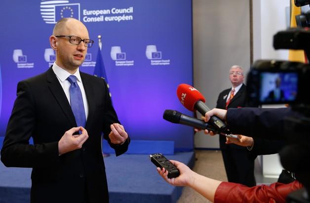 Jaceniuk: wojna z Ukrainą kosztowała Gazprom 6 mld dolarów