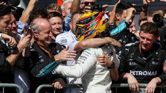 Formuła 1 - Hamilton wygrał we Włoszech i został liderem