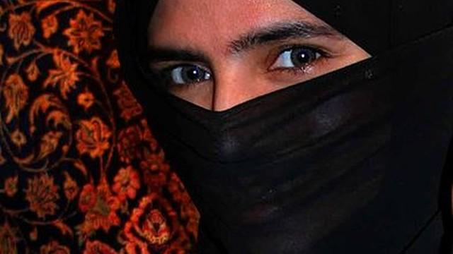 Niemcy: Bundestag zabronił urzędniczkom noszenia w pracy nikabu i burki