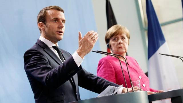 Macron i Merkel gotowi do zmiany traktatów UE
