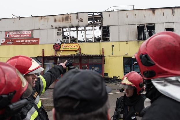 Groźny pożar domu handlowego w Tczewie