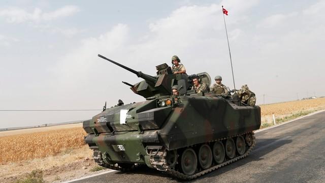AFP: Kolejne tureckie czołgi są w Syrii