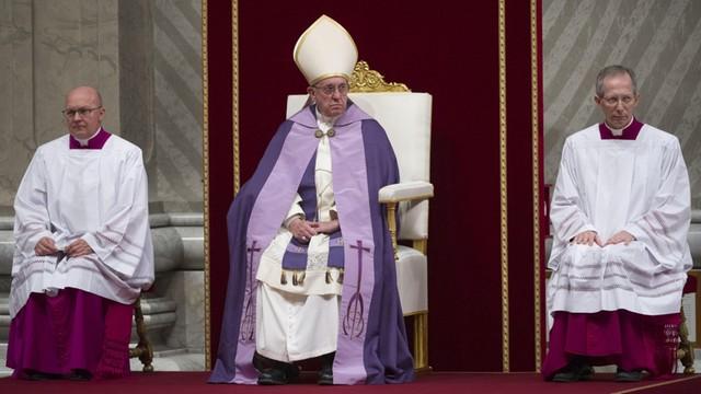 Papież chwali włoski most humanitarny dla uchodźców z Syrii