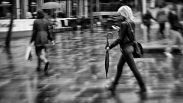 23-03-2016 15:00 Chcą zakazać sms-owania podczas chodzenia