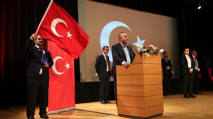 Tureckie MSZ: UE traktuje demokrację wybiórczo