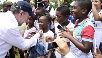 """10-10-2016 05:38 """"Pieniądze z Nobla oddam ofiarom konfliktu"""" - prezydent Kolumbii"""