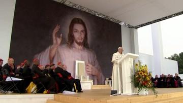 28-07-2016 18:53 Papież do młodych: serce miłosierne otwiera się, aby przyjmować uchodźców oraz imigrantów