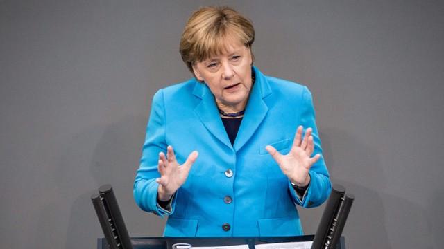 Merkel: nie wolno ograniczać liczby osób z prawem do azylu