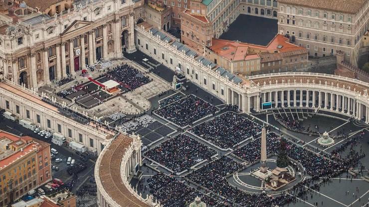 Nielegalne pamiątki Roku Świętego zalewają Rzym