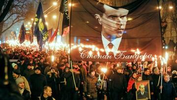 """01-01-2017 21:50 """"Chwała narodowi, śmierć wrogom"""". Ulicami Kijowa przeszedł marsz ku czci Bandery"""