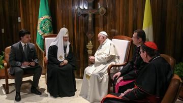 13-02-2016 07:14 Historyczne spotkanie papieża z patriarchą Cyrylem. Franciszek: nareszcie