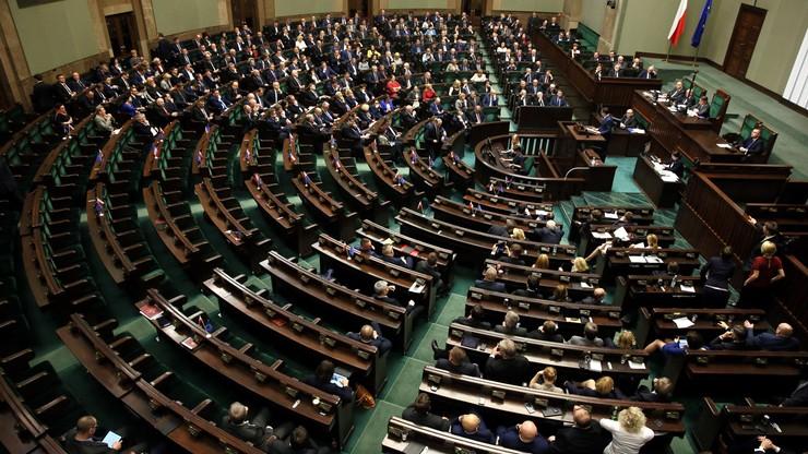 Twitter komentuje obrady Sejmu. #dobrazmiana z nowym znaczeniem