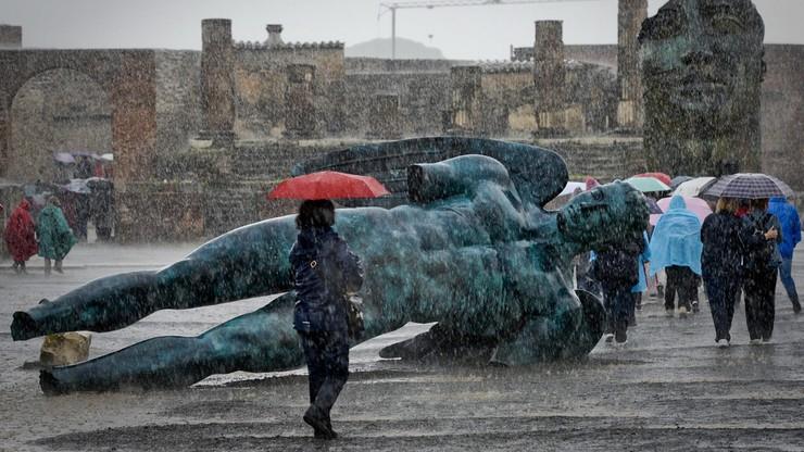 Mitoraj w Pompejach. 30 rzeźb polskiego artysty zachwyca turystów