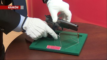 W Wadowicach zaprezentowano broń, z której postrzelono Jana Pawła II