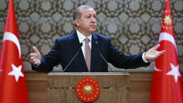Erdogan oszukuje, że skończył studia? Internauci chcą, by prezydent Turcji pokazał dyplom
