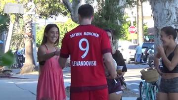 2015-11-23 Lewandowski podrywa na ulicy. Równie skuteczny co na boisku? (WIDEO)