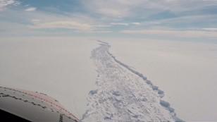 Antarktyda się rozpada. Czy oceany się podniosą?