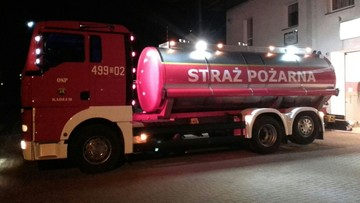 16-03-2016 17:59 Mlekowozem do pożaru. Strażacy z Kadłuba wykazali się pomysłowością
