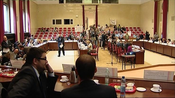 Bój o stosowanie orzeczeń TK. Skarga Rady Warszawy do sądu administracyjnego