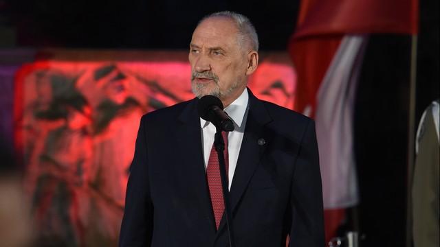 Szef MON złożył żołnierzom życzenia z okazji Święta Wojska Polskiego