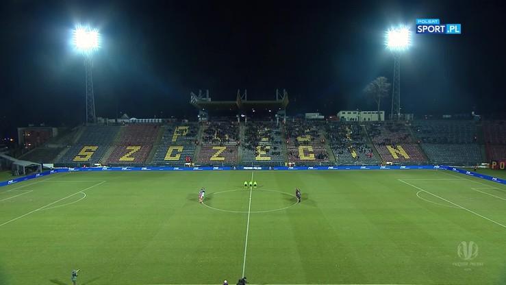 Piłkarze Pogoni Szczecin i Puszczy Niepołomice uczcili pamięć ofiar katastrofy w Kolumbii