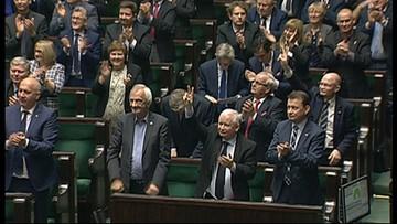 16-11-2016 14:31 Sejm przegłosował obniżkę wieku emerytalnego