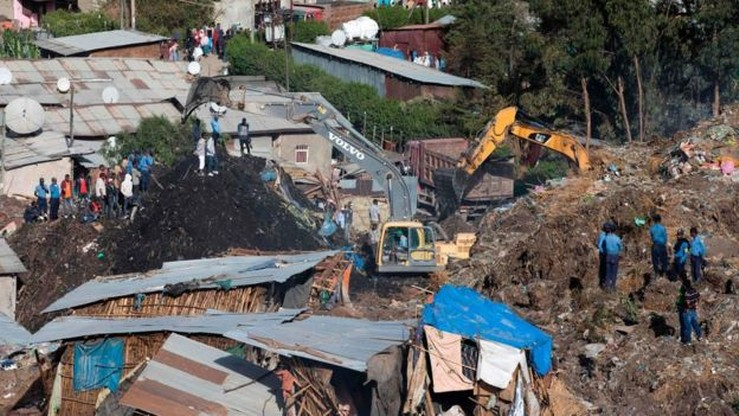 Już 65 ofiar śmiertelnych osuwiska na wysypisku śmieci w Etiopii