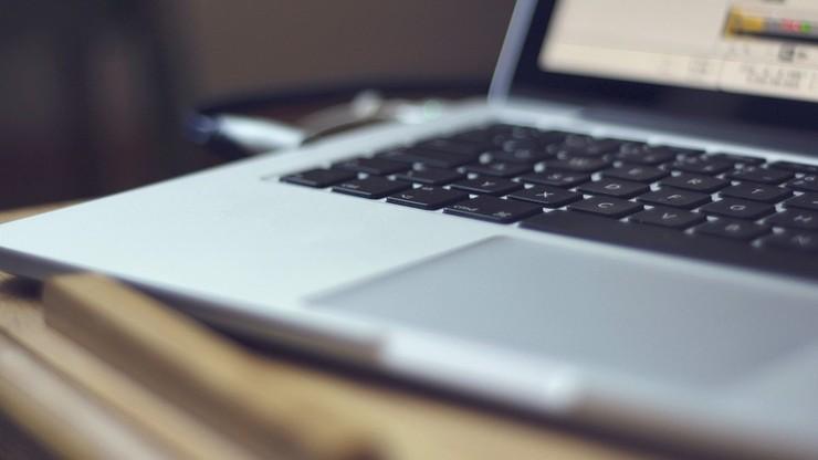 CBA zatrzymuje. Milionowe wyłudzenia przy budowie sieci szybkiego internetu