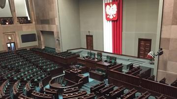 15-09-2017 15:58 Sondaż: PiS z 44 proc. poparciem, PO - z 19 proc. W Sejmie jeszcze trzy partie
