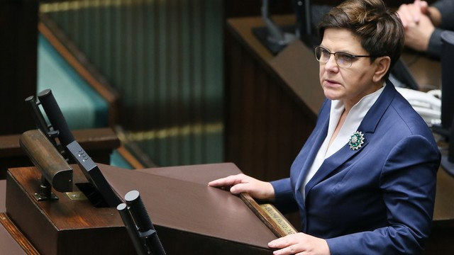 Rząd będzie płacił kobietom, które urodzą dzieci z trudnych ciąż. Premier przedstawiła trzy zobowiązania