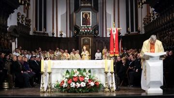 10-04-2016 20:26 Msza święta w intencji ofiar katastrofy w archikatedrze św. Jana Chrzciciela