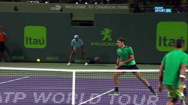 Najlepsze akcje z meczu Federer - Kyrgios