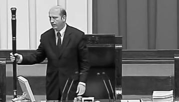 Kancelaria Sejmu upamiętniła posłów, którzy zginęli w katastrofie smoleńskiej [WIDEO]