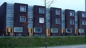 11-10-2016 14:41 Polacy mają 400 mld zł kredytów mieszkaniowych
