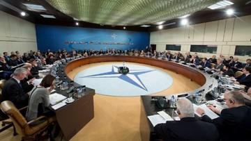 """""""FT"""": NATO zbyt słabe wobec zakusów Rosji we wschodniej Europie"""