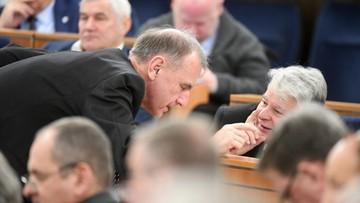 """11-01-2017 10:02 """"Szwindel legislacyjny największy w historii wolnej Polski"""" - Klich na posiedzeniu Senatu"""