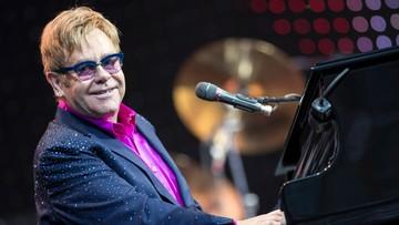 """25-04-2017 12:30 Elton John zapadł na """"potencjalnie śmiertelną"""" infekcję. Wyszedł już ze szpitala"""