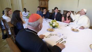 30-07-2016 16:22 Pierogi z mięsem i sernik - menu papieskiego obiadu na spotkaniu z młodzieżą